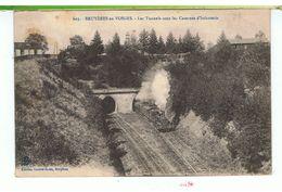 CPA-88-1918-BRUYERES-en-VOSGES-LES TUNNELS SOUS LES CASERNES D'INFANTERIE-ANIMEE-UN TRAIN QUI FUME EN SORTANT DU TUNNEL- - Bruyeres
