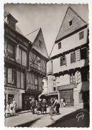 VANNES--1952-- Place St Pierre,Vieilles Maisons (très Animée,commerces,vélo)   --  Cachet --timbre  ..... à Saisir - Vannes