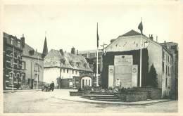 BASTOGNE - Monument Aux Morts De La Ville Et Le Séminaire - Bastenaken