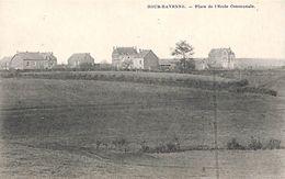 Hour-Havenne- Place De L'Ecole Communale (Desaix) - Houyet
