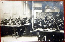 ENSEIGNEMENT PEDAGOGIE CARTE PHOTO BELLE COMPOSITION D'UNE SCENE SCOLAIRE VERS 1900 SALLE DE COURS - Schools
