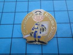 Pin611a Pin's Pins : Rare Et Belle Qualité POLICE / Humour 2e Decré CRS COMMUNICATION REFLEXION SOLIDARITE - Police