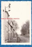 Photo Ancienne - REVIGNY Sur ORNAIN ( Meuse ) - Une - Lampadaire - Lampe - Lugares