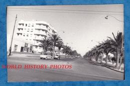 Photo Ancienne - à Situer - ALGER ? ALGERIE ? - Boulevard - Automobile Dauphine - Lampadaire Lampe - Africa
