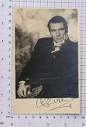 LAURENCE OLIVIER - Vintage PHOTO Autograph REPRINT (262-B) - Reproductions