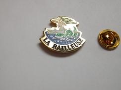 Beau Pin's , Bateau , Marine Nationale , La Railleuse , Papeete , Tahiti , Siréne , Pin Up - Schiffahrt
