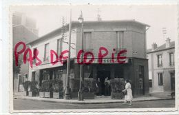 COLOMBES - CARTE PHOTO + PHOTO CAFE BESSE 123 Ave D'ARGENTEUIL (STALINGRAD) ANGLE RUE SOLFERINO TRAVAUX TRAMWAY - Colombes