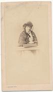 VICHY , Dame En Tenue De Deuil - Photo CDV - Paul Coutem, Vichy - Photos