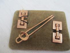 Paire De Boutons De Manchette/Fantaisie//Dorés/Equitation/  + épingle De Cravate/Années 50     BIJ48 - Jewels & Clocks