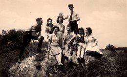 Photo Originale Loire-Atlantique - Bande De Jeunes Adultes Sur Clisson ( 44190 )  En Août 1941 - Oreilles De Lapin - Lieux
