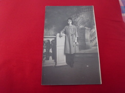 CARTE PHOTO JEUNE FEMME POSANT ...WILLIAM-PHOTO MIDGET...LYON - Women