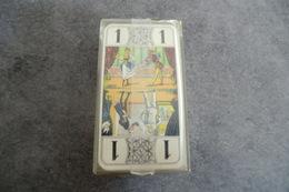 Jeu De 78 Cartes Tarot La Ducale, Dos écossais, Dans Un étui Plastique - Tarots