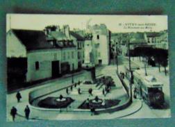 CPA VITRY SUR SEINE LE MONUMENTS AUX MORTS ET LE TRAMWAY - Vitry Sur Seine