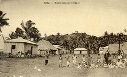 OCEANIE - Fidji - Visite Dans Les Villages. - Fidji