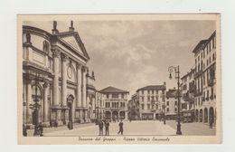 BASSANO DEL GRAPPA - PIAZZA VITTORIO EMANUELE ANIMATA  - VIAGGIATA 1940 - POSTCARD - Vicenza