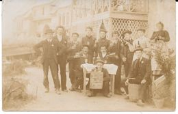"CARTE PHOTO à Identifier - Groupe "" La Bande Joyeuse "" (tampon De La Poste  Cancale, - Colombes ?) Circulé En 1909 - Postkaarten"