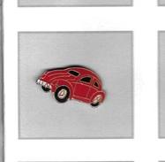 Pin´s  Automobile  V W  Coccinnelle  Rouge - Volkswagen