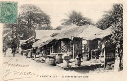 CPA SIERRA LEONE FREETOWN  A STEET IN THE CITY 1905+1 CPA FORCE ANGAIASE ENBARQUANT A FREETOWN-- ABIMEEE MAIS TRES RARE - Sierra Leone