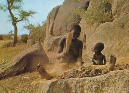 Cameroun        H15        Chez Les Mbremes - Cameroun (1960-...)