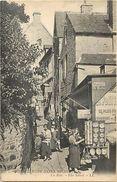 - Depts Div.-ref-RR408- Manche - Le Mont Saint Michel - Le  Mont St Michel -la Rue - Tabac - Magasin Au Dauphin Blanc - Le Mont Saint Michel