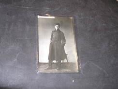 PHOTO CARTE -UN MILITAIRE PHOTOGRAPHIE A SEBASTOPOL - PHOTO DES ALLIES - - 1914-18