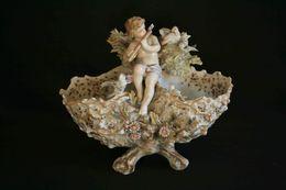 Ancien Vide Poche Panier Porcelaine Allemande Ange Musicien Aux Oiseaux XIX ème - Ceramics & Pottery