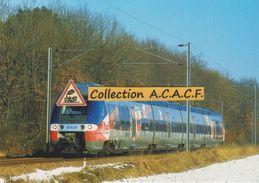 """Autorail B 82528 TER """"Poitou-Charentes"""", à Coulombiers (86) - - Autres Communes"""