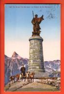 NED-08  Grand St.-Bernard, Statue, Chanoine Et Chiens. Cachet 1932. - VS Valais