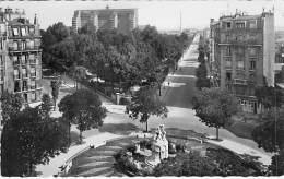 92  - CLICHY : La Place De La République - CPSM Dentelée Noir Blanc GF - Hauts De Seine - Clichy