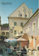 CARTOLINA Nuova E Intonsa Di VILNIUS (Lituania) - Veduta Di Un Quartiere Della Città Vecchia Con Il Caffé Medininkai. - Lituania