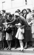 Postcard / Royalty / Belgique / Koningin Astrid / Reine Astrid / Princesse Joséphine Charlotte / Revue 1933 - Case Reali
