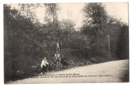 CPSM PF 91 - ETAMPES (Essonne) - Route D'Etampes à Chalo Saint-Mard. Groupe D'arbres (animée, Cyclistes) - Etampes