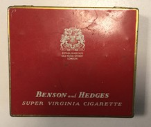 EMPTY  TOBACCO  BOX    TIN     BENSON AND HEDGES  SUPER VIRGINIA CIGARETTE  OLD BOND ST. LONDON - Schnupftabakdosen (leer)