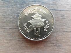 Nepal  5  Rupees  1996  (2053)  Km 1075 - Népal