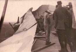 ANCIENNE CARTE PHOTO ACCIDENT D'AVION MILITAIRE N°12 - Aviazione