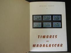 TIMBRES DE MADAGASCAR PAR M. BRAMBILLA 1972 323 PAGES 960 GR - Colonias Y Oficinas Al Extrangero