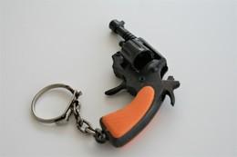 Vintage TOY GUN :  UNKNOWN - L=6,0cm - Keychain 1960s-70s - Keywords : Cap - Cork Gun - Rifle - Revolver - Pistol - Tin - Decotatieve Wapens