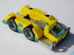 Ferraeroport Fahrzeuge 2000 / Flugzeugschlepper + BPZ - Ü-Ei