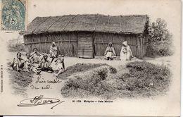 ALGERIE : KABYLIE : Café Maure , Timbrée 1904 - Szenen