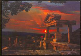 EFES- TURKEY.- Trayanüs çesmesi . Sunset On The Ruins Trajan's Fountain - Türkei