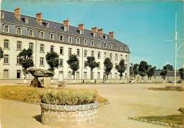 GUINGAMP CASERNE DE LA TOUR D'AUVERGNE - Guingamp