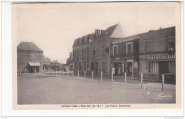 79 - Argenton L'eglise - Place Centrale - Francia