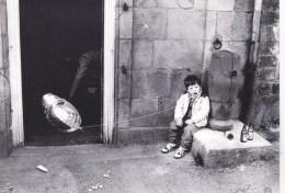 56 - Morbihan - GUEMENE SUR SCORFF  - Cavalcade 1982 -  Moment De Fatigue- Tirage 100 Ex - Photo Y. Kervinio - Guemene Sur Scorff