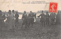 CHASSE  à Courre  -  Equipage De Bonnelles , Avant La Curée ( Foret De Rambouillet ) Beau Plan - Caza
