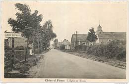Manhay - Chêne-al-Pierre - L' Eglise Et L' Ecole - Manhay