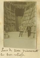 Guerre De 1914-18. 4 Petites Photos D'un Album Du 8e RI. Protection De La Cathédrale De Reims, Maisons Démolies. - Guerra, Militari