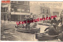 75 - PARIS - INONDATIONS JANVIER 1910-  CRUE DE LA SEINE- PONTONNIERS SUR BACHOTS ET MARINS SUR YOUYOUS VONT AU SECOURS - Inondations De 1910