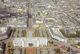 44 SAINT NAZAIRE VUE AERIENNE SUR LE CENTRE VILLE- L HOTEL DE VILLE SA PLACE SES JETS D EAU - L AVENUE DE LA REPUBLIQUE - Saint Nazaire