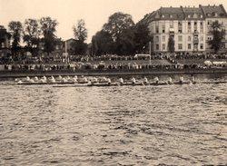 Photo Originale Sports Nautiques - Equipe Et Compétition D'Aviron Vers 1940/50 - Nombreux Spectateurs ! - Sports