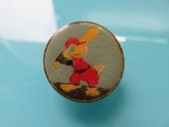 Pin's 170 - Aigle Avec Batte De Baseball - Symbole Sportif Américain - Baseball